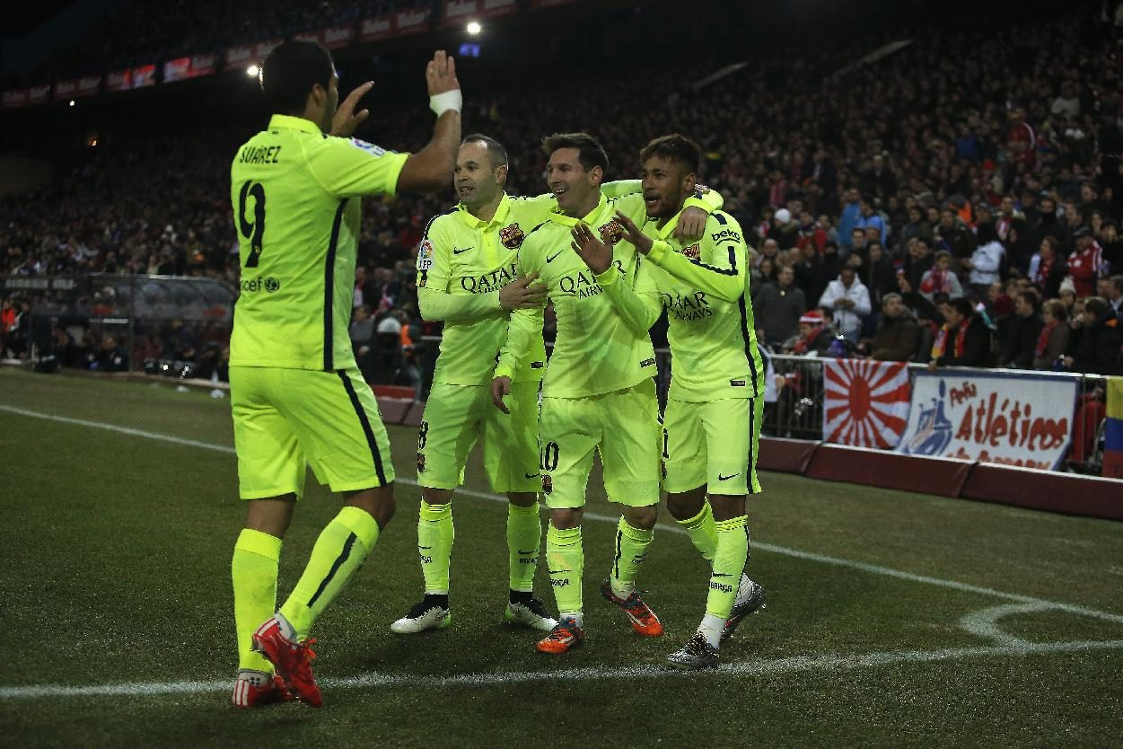 Iniesta, Messi, Neymar and Suárez celebrations in a Barcelona goal in 2015