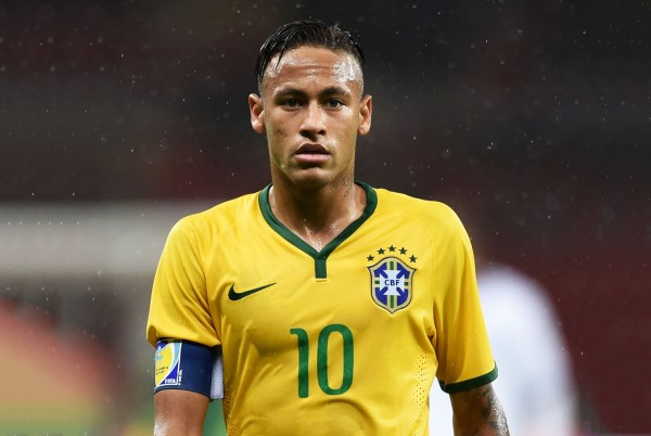 Neymar wearing number 10 for Brazil