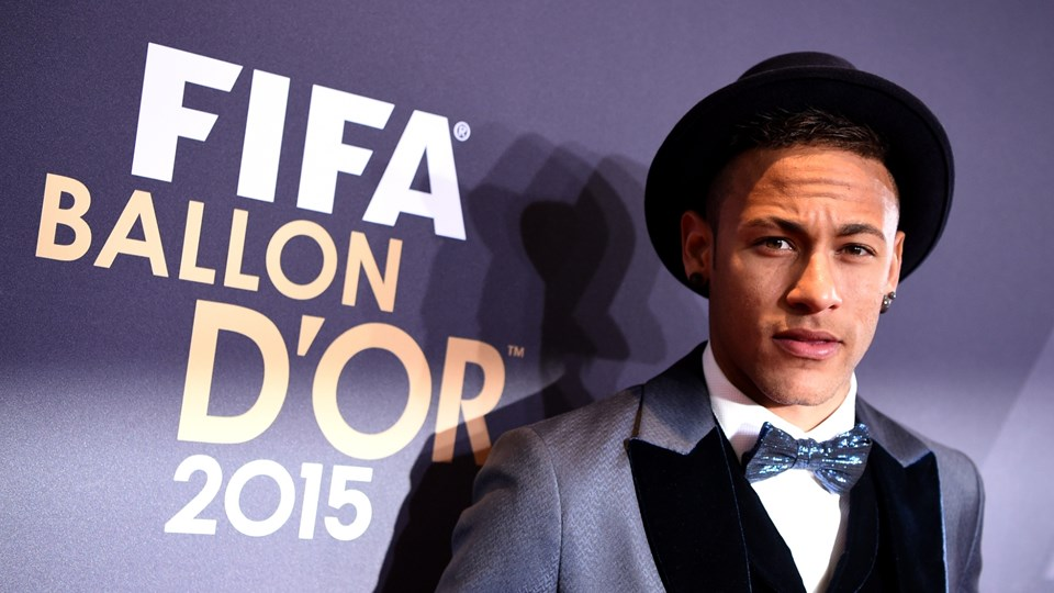 Neymar look at the FIFA Ballon d'Or 2015 awards