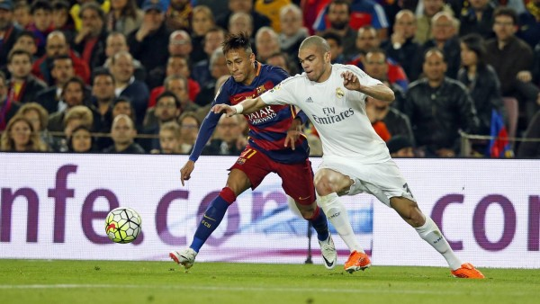 Neymar vs Pepe in Barcelona 1-2 Real Madrid, in La Liga 2016