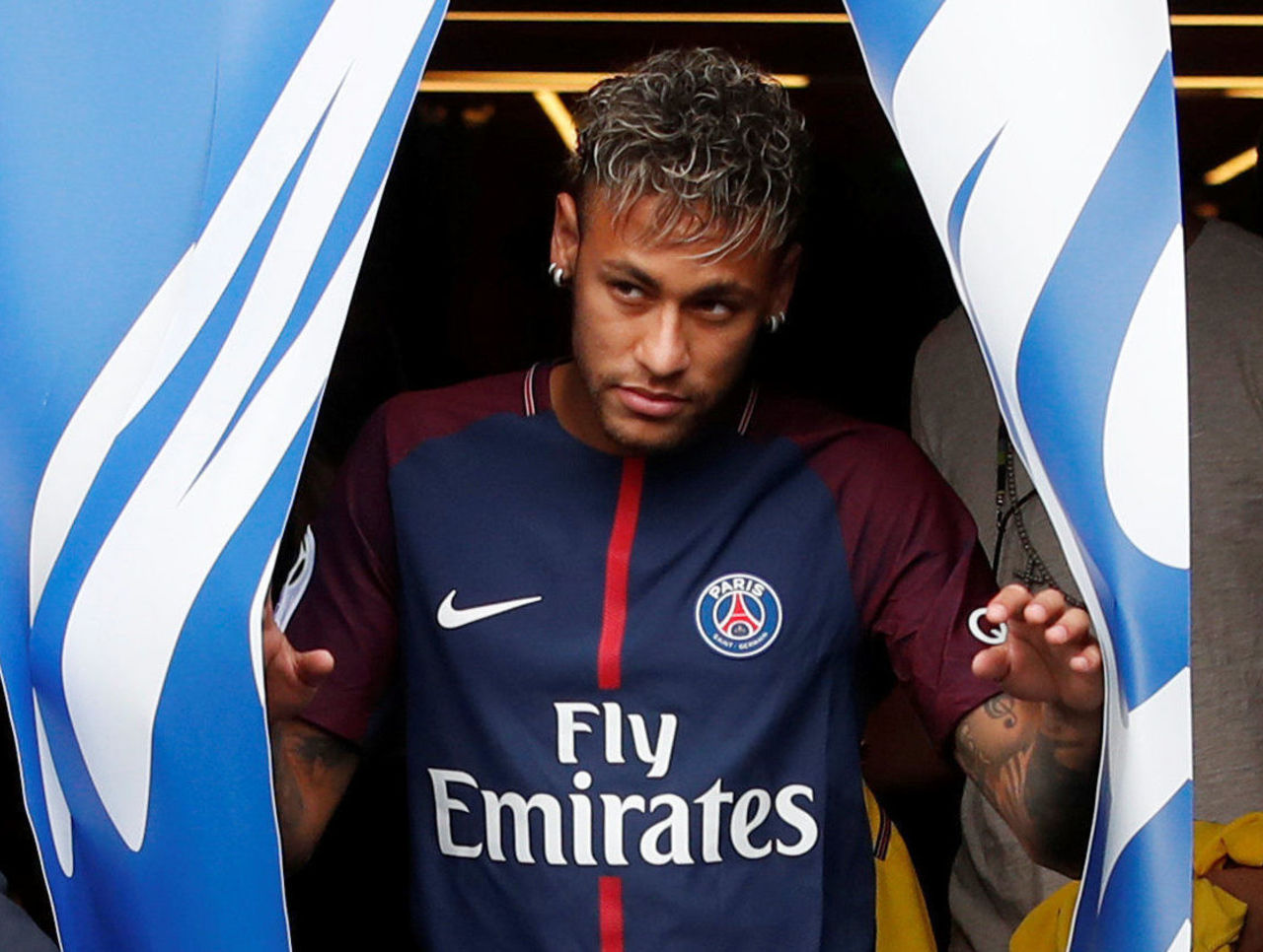 Neymar unveiled in PSG