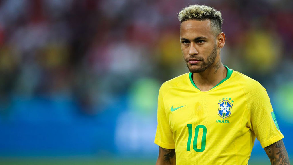 Neymar playing for Brazil in 2018