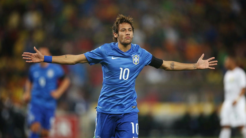 Neymar wearing Brazil blue shirt