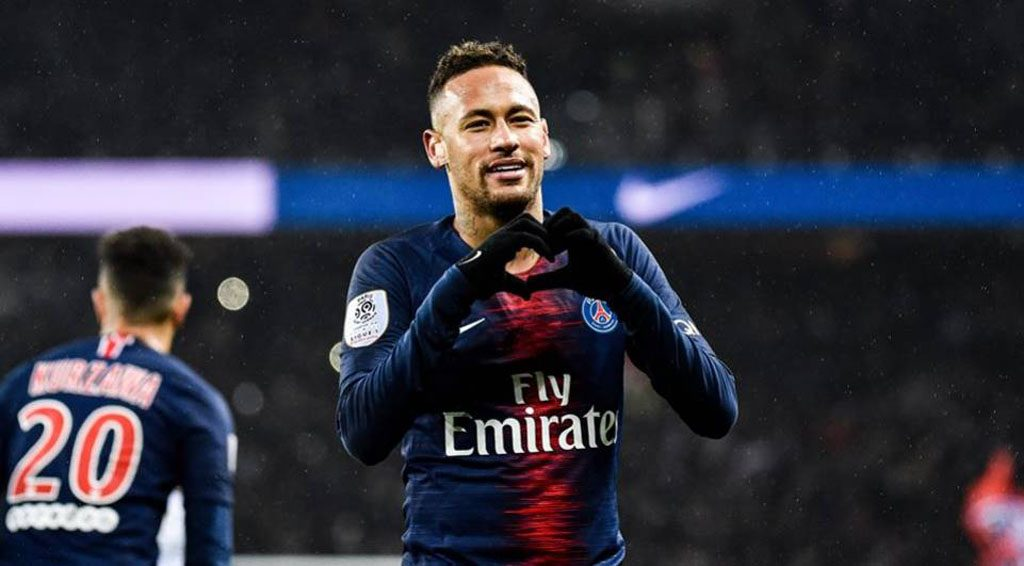 Neymar sending his love after a goal for PSG